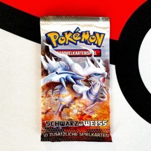Pokemon TCG Schwarz und Weiss Black and White Base Set Reshiram Packart Front