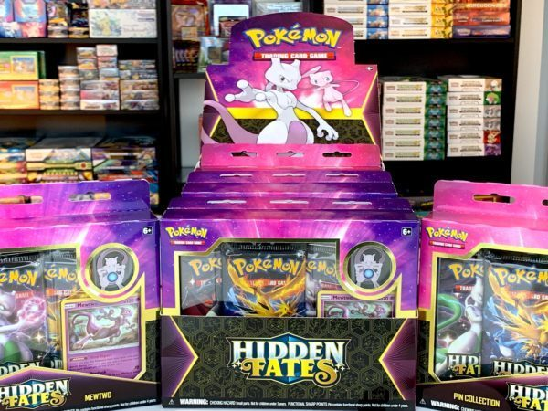 Hidden Fates Mew Mewtwo Pin Collection Box CardCollectors Pokémon TCG